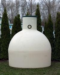 Vertikale unterirdische Regenwassertanks